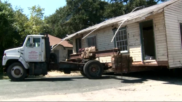 [NATL-DFW] Stuck House Cuts Off Austin Neighborhood