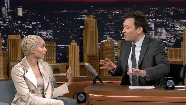 [NATL] 'Tonight Show': Zoë Kravitz Gives Jimmy an Anniversary Surprise