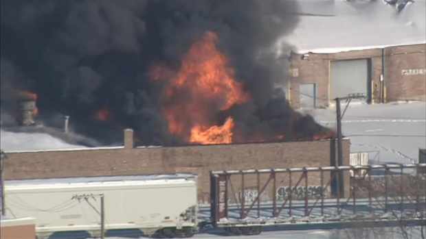 [CHI] Raw: Roof Collapse at Warehouse Fire