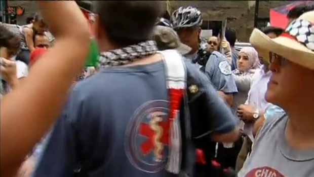 [CHI] Protesters Face Off Over Israeli / Palestinian Conflict