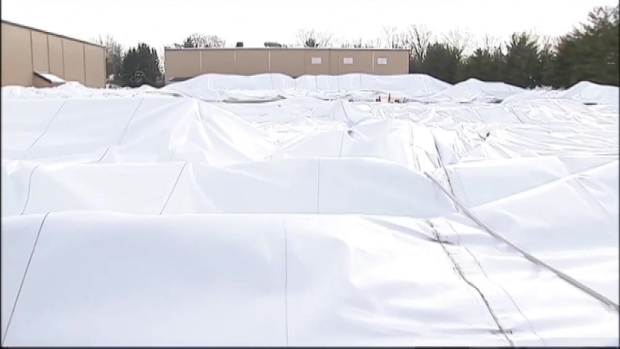 [NY] Heavy Snow Takes Down Sports Dome in NJ