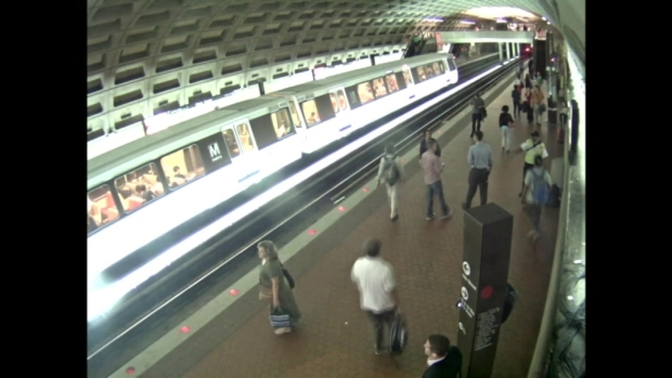 [DC] Metro Surveillance Video of Unattended Bag