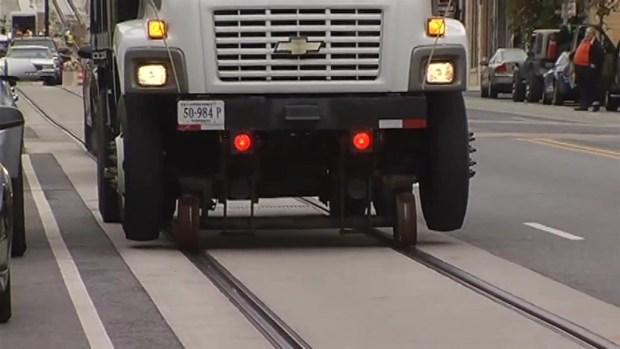 [DC] DC Streetcar Test Gets Stuck in Traffic