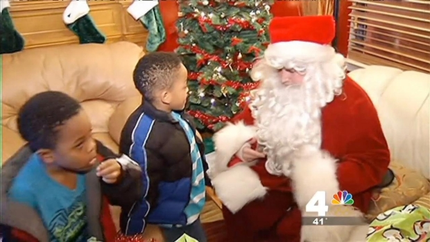 [DC] Firefighters Help Local Family Celebrate Christmas