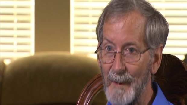 Gyrocopter Pilot Says He Had Status in Jail