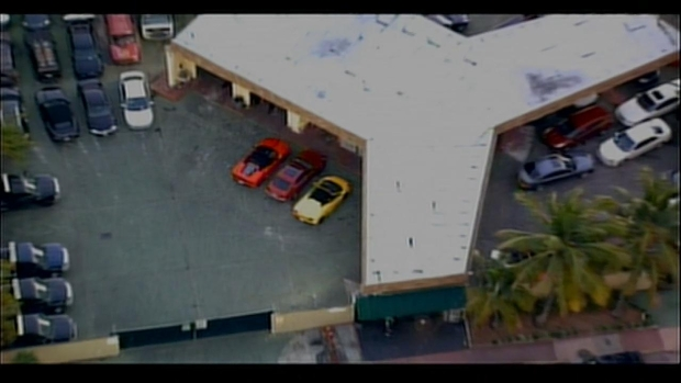 [MI] RAW VIDEO: Car Justin Bieber Was Allegedly Driving at Time of Miami Beach Arrest