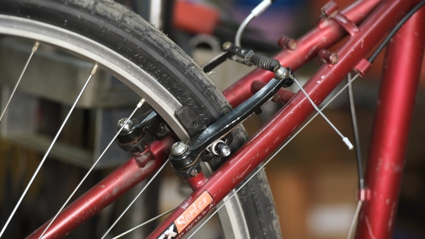 Fixing Your Bike: How to Adjust Brakes and Brakepads