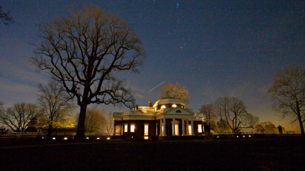Monticello Prepping for Holiday Tours