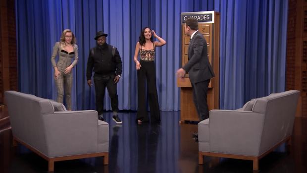 [NATL]'Tonight': Gal Gadot, Miley Cyrus Play 'Charades'