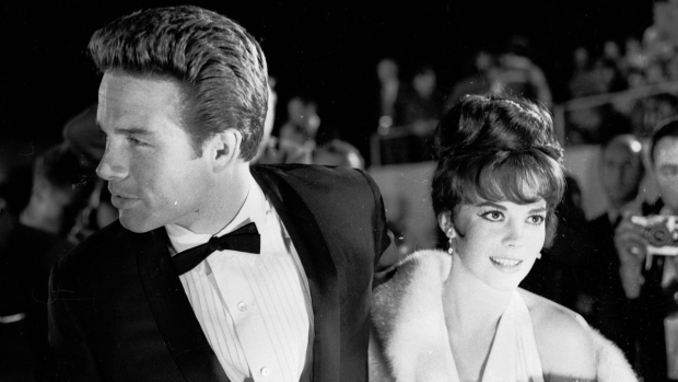 Vintage Hollywood Glamour at the Oscars