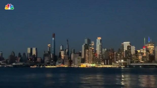 [NATL] See the Manhattan Skyline During Blackout