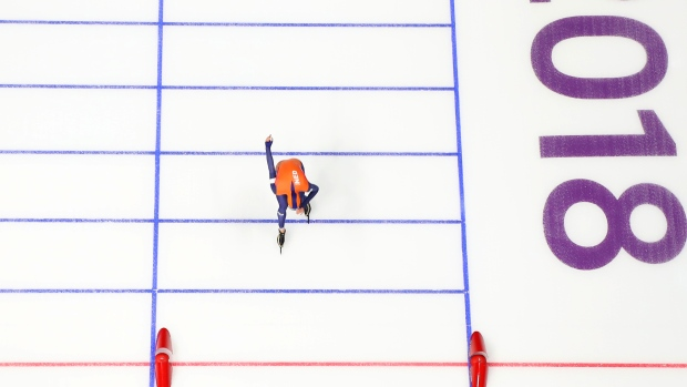 Speedskater Sven Kramer Sets 3 Olympic Records as He Takes 5000m Gold