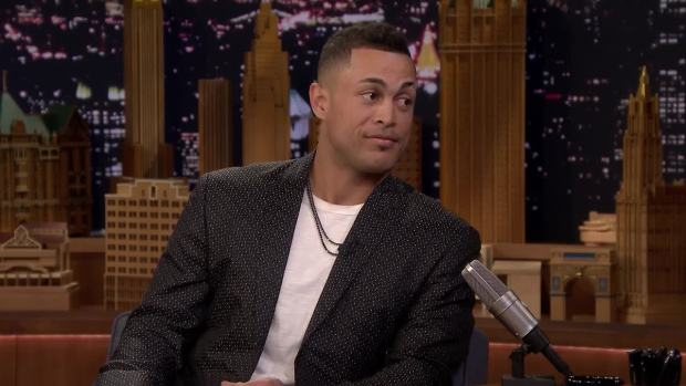 [NATL] 'Tonight': Giancarlo Stanton Doesn't Know How to Eat a Kit Kat