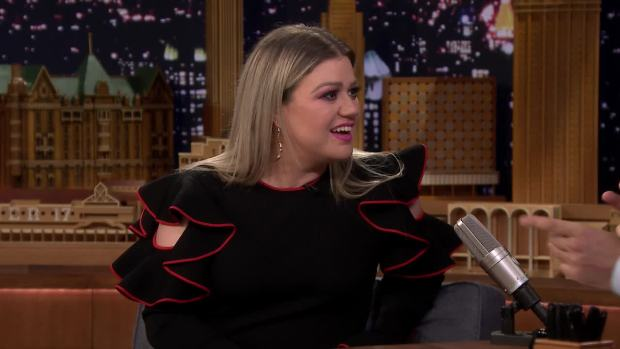 [NATL] 'Tonight': Kelly Clarkson Announces Her Own Daytime Talk Show