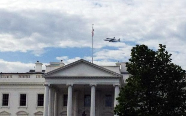 Viewer Photos: Discovery Flies Over DC