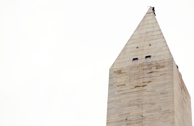 [DC] Washington Monument Readied for Rappelling Mission