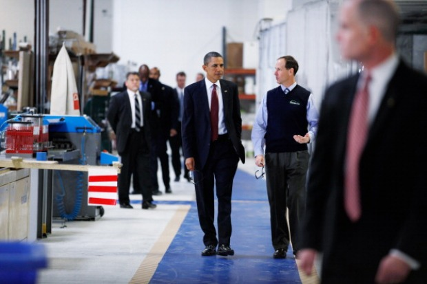 Obama and His New NEC Director Visit Md. Business