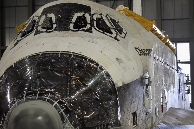Shuttle Discovery Preps for D.C. Home