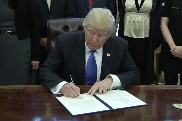 [NATL] Trump Signs Executive Orders on Lobbying Ban, National Security