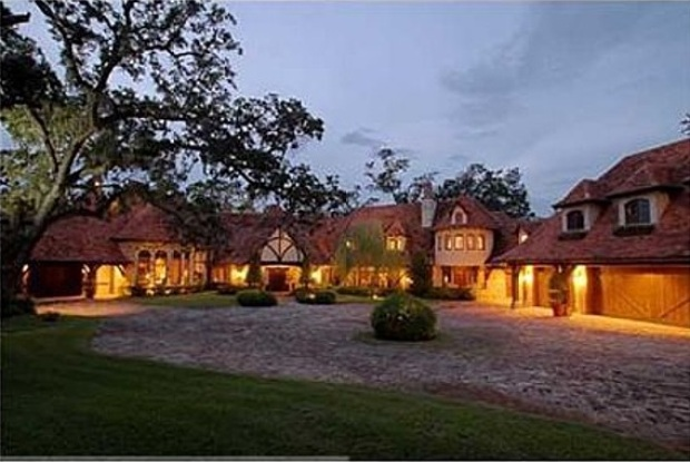 Hulk Hogan Drops Price of Florida Estate to $10.9M (Again!)