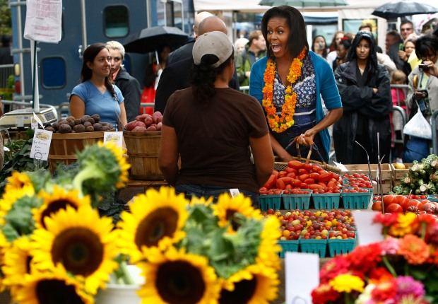 Michelle Obama Shopping at the New Farmer's Market