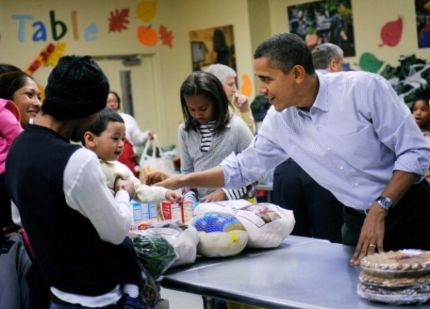 First Family Helps Out at Food Pantry