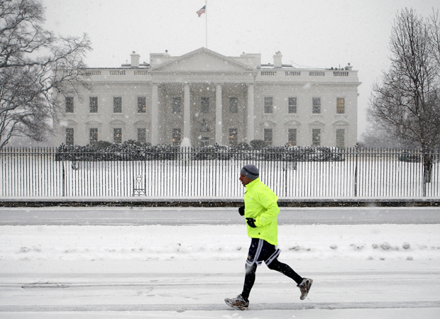 Snow Finally Falls in Washington