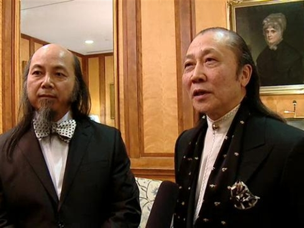 [DC] Zhou Brothers Discuss Painting Gift To Hu
