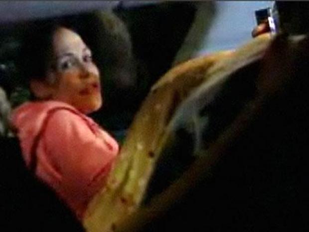 [LA] Ground Zero As Octomom Pulls Into Her Garage Tuesday Night