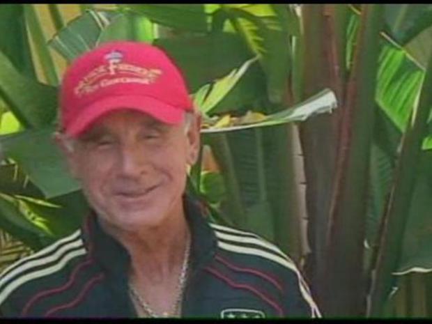 [LA] July 19, 2010: Zsa Zsa's Husband Holds News Conference