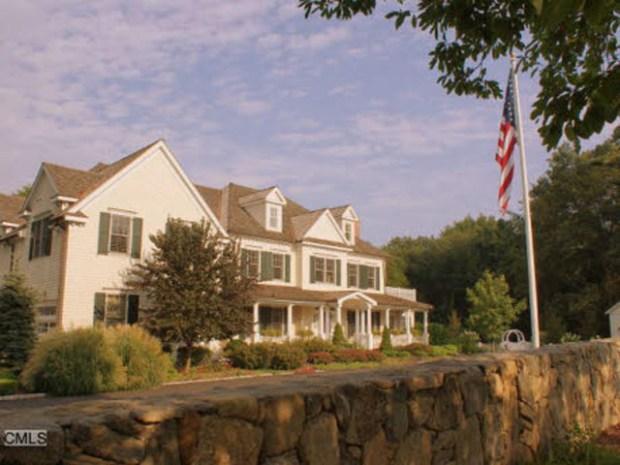 Take a Tour of Glenn Beck's House