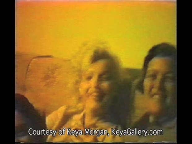 [NY] Marilyn Monroe Takes a Puff