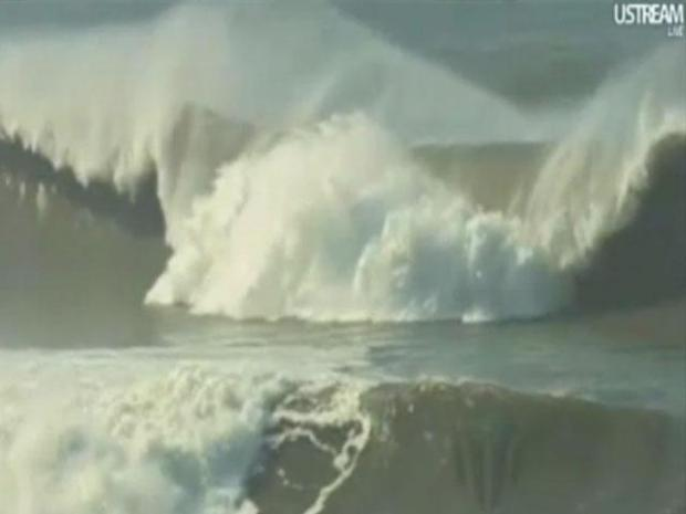 [BAY] Big Wave Surfers Take on Mavericks 2010