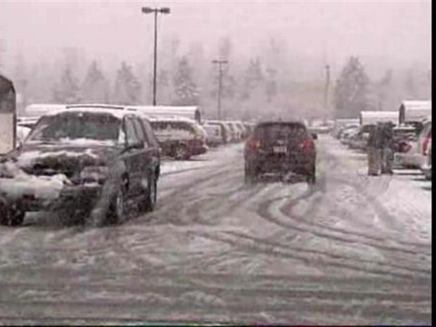 [DC] Virginians Enjoy First Snowfall