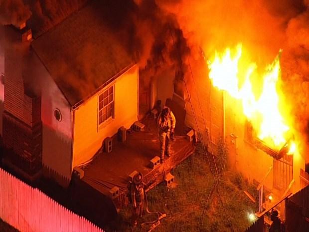 [DC] Raw Video: Fire Engulfs Home in Accokeek