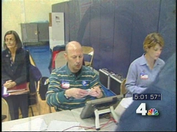 [DC] Northern Virginia Polling Places See Afternoon Lull