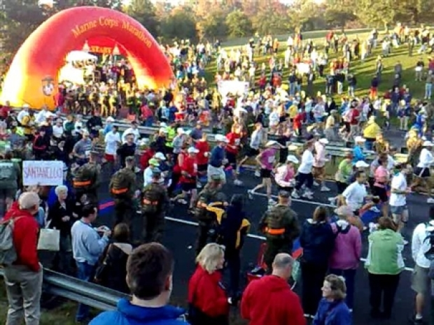 [DC] Thousands of runners join in 33rd Marine Corps Maraton
