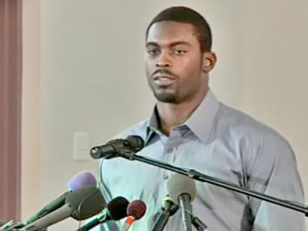 [DC] Michael Vick Speaks Out Against Dogfighting at Southwest Church