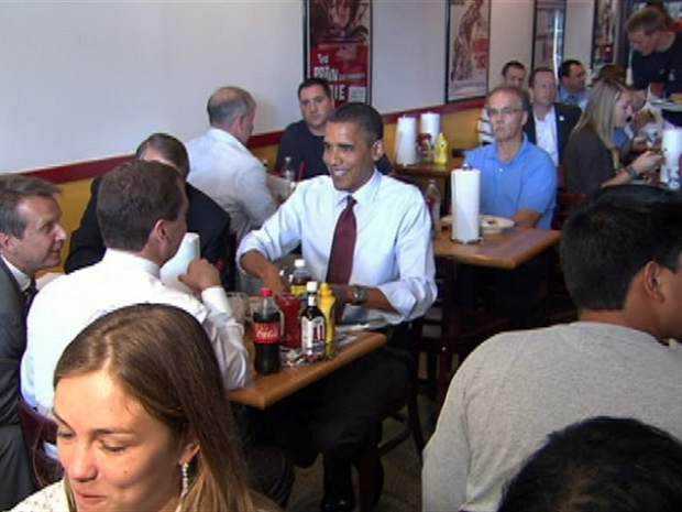 [DC] Obama, Medvedev Share Fries at Ray's