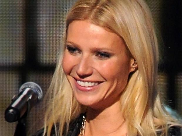 [NATL] CMA Awards: Hollywood Shines at Country's Big Night