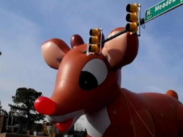 [DC] Rudolph Gets Beaned in Christmas Parade