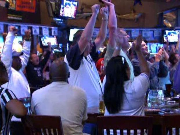 [DFW TEXAS RANGERS] Rangers Fans Celebrate After Game 5 Win