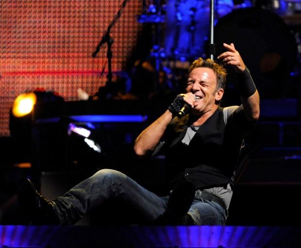 Springsteen Helps Say Goodbye to Giants Stadium