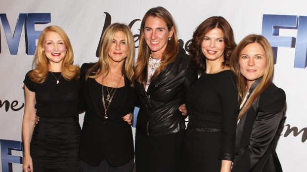 Aniston Hosts DC Movie Screening