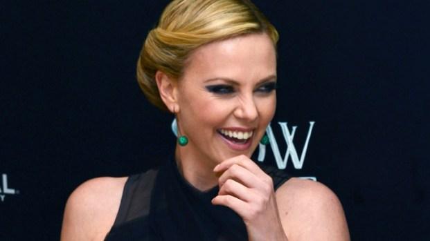 "[NBCAH] Charlize Theron Stuns at ""Snow White & the Huntsman"" Premiere"