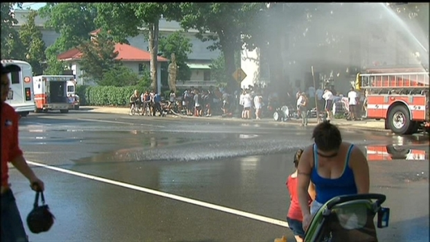 [DC] DC Fire Hoses Off Hot Memorial Day Revelers