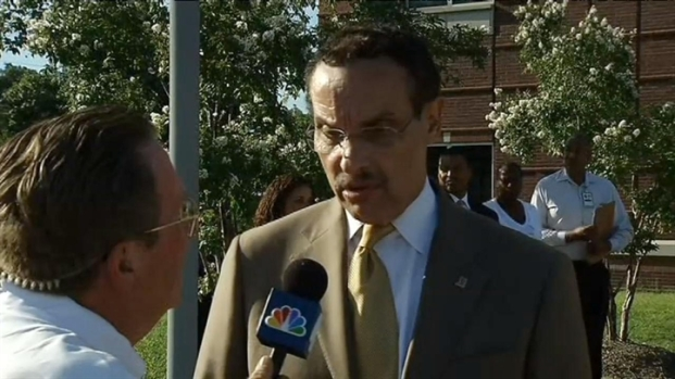 [DC] Mayor Gray's Earthquake Experience