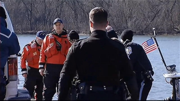 [DC] Free Tibet Protesters Arrested on Arlington Bridge