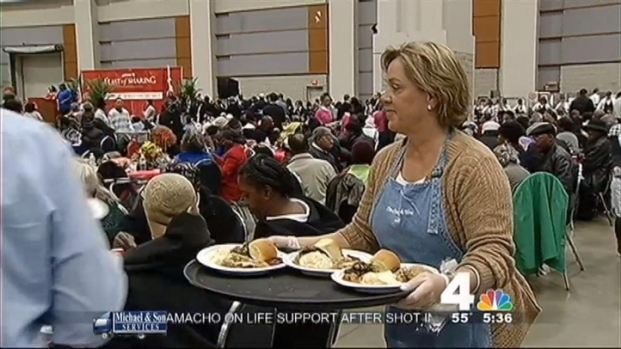 [DC] Liz Crenshaw Serves Needy D.C. Residents
