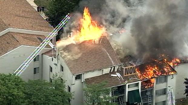 [DC] Raw Video: Mont. Co. Firefighters Battle Burtonsville Blaze